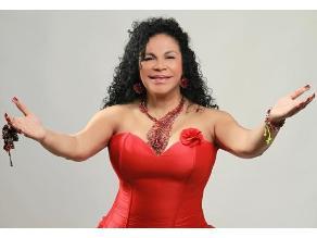 Eva Ayllón imparable entre Estados Unidos y el Perú