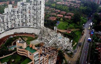 Rescatan el segundo cadáver del edificio desplomado en Medellín