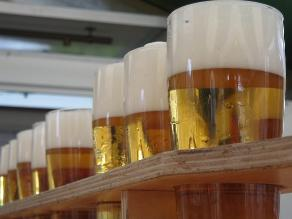 Consumo excesivo de alcohol aumenta riesgo de neumonía