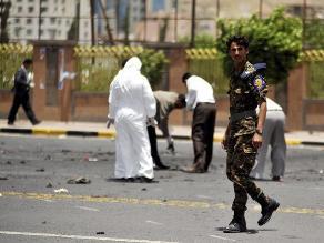 Yemen: Padre quemó a hija de 15 años por hablar por teléfono con novio