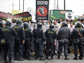 Permanecen en la Comisaría del Rímac antitaurinos detenidos