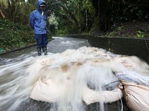 Evacuan más de 1.400 personas por lluvias en Cuba