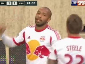 Thierry Henry demostró que la clase no se olvida y marcó tremendo golazo