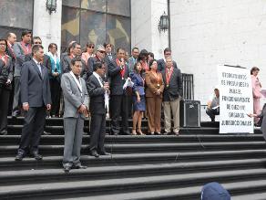 Magistrados de Arequipa realizaron Sala Plena en la vía pública