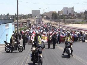 Arequipa: Camioneros bloquearon la Variante de Uchumayo