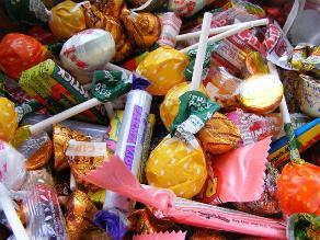 Riesgo de daño en dientes aumenta durante Halloween
