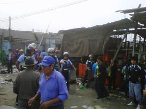 Trujillo: derriban viviendas ubicadas debajo de cables de alta tensión