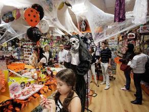 Huancayo: Incautan más de 30 costales de juguetes tóxicos