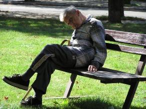 La falta de sueño en adultos mayores y sus repercusiones en la familia