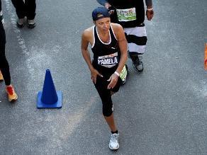Pamela Anderson corre maratón de Nueva York para ayudar a Haití