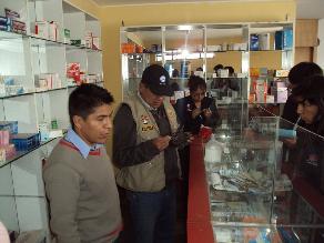 Huancayo: Decomisan medicamentos vencidos en boticas