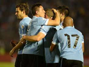 Uruguay convocó a Suárez, Cavani y Forlán para repechaje a Brasil 2014