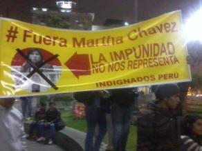 Activistas contra Martha Chávez marchan por el centro de Lima