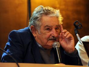 Mujica sobre la izquierda: Nunca se los va a ver comer con gente pobre