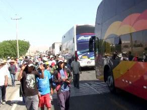 Arequipa: pobladores de La Joya despejan carretera Panamericana Sur