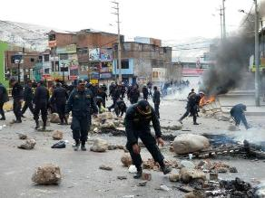 Arequipa: Pobladores de La Joya no dan tregua y mantienen bloqueo de vía