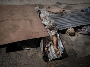Comienzan a enterrar en fosas comunes a las víctimas del tifón Haiyan