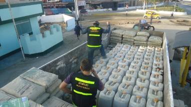 Ucayali: Incautan tonelada y media de insumos quimicos