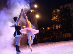 Trujillo: Cientos disfrutaron de ballet internacional en Plaza de Armas