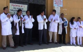 Piura: Médicos contratados realizarán vigilia para exigir nombramiento