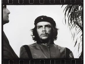 La foto original más famosa del Che Guevara subastada por US$9.600