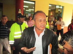 Chimbote: Regidor se esconde y niega acusación de tráfico de terrenos