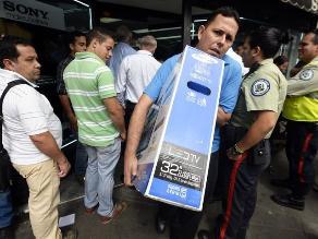 Fiscalía venezolana acusa a diario de falsa información sobre escasez