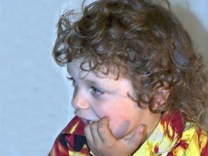 Por qué los niños se comen las uñas y los pellejitos de los dedos