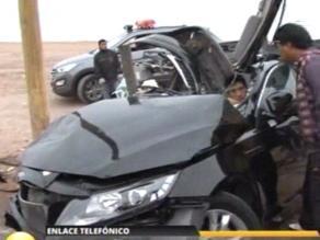 Cuatro heridos deja choque frontal de dos vehículos en la Costa Verde