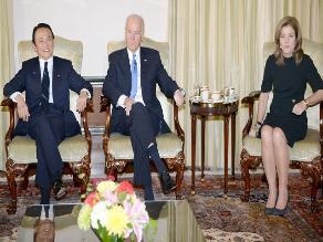 Biden pide a Japón y China que
