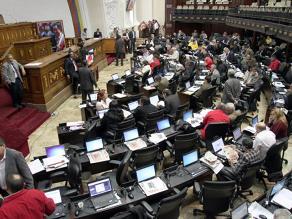 Parlamento venezolano convierte en ley plan de gobierno ideado por Chávez