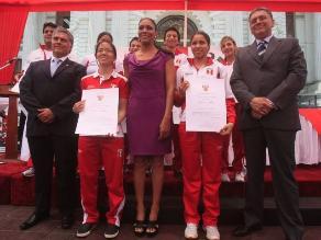 Congreso homenajeó a deportistas peruanos que participaron en Bolivarianos