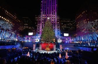 El árbol del Rockefeller Center ya ilumina la Navidad de Nueva York