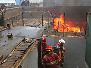 Fotos del incendio que consumió gran parte de solar en Centro de Lima