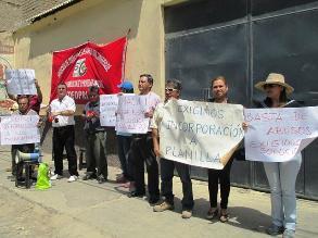 Trabajadores de Cofopri realizan plantón en Lambayeque