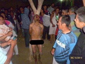 Pobladores desnudaron y golpearon a ladrón en AA.HH de Piura