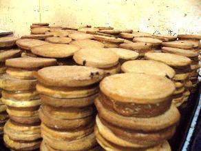 Huancayo: Decomisan 5 mil kekes y alfajores no aptos para el consumo