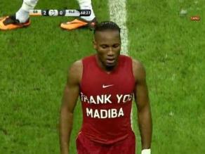 Didier Drogba rinde homenaje a Nelson Mandela en partido de Galatasaray