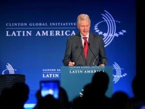 Bill Clinton defiende a las agencias de inteligencia