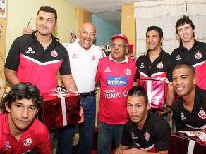 Roberto Mosquera y jugadores de Juan Aurich protagonizan video navideño
