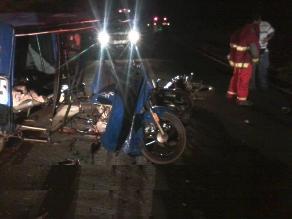 Casma: Hermanos mueren al estrellar su moto con una mototaxi