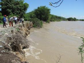 Piura: sereno salva a mujer que se arrojó al río Chira en Sullana