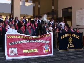 Ica: Magistrados hicieron plantón por aumento de sueldos