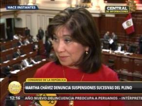 Martha Chávez cuestiona constantes suspensiones del Pleno