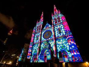 Catedral de Santa María en Sidney se ilumina con el espíritu navideño