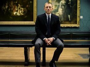 James Bond es un alcohólico con riesgo de cirrosis e impotencia