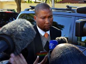 Nieto de Mandela habla con él siempre y le avisará al llegar