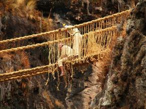 El puente Q´eswachaka, tradición inca que resiste la modernidad en Perú