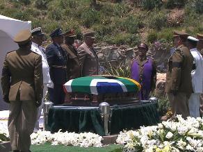 Sudáfrica: Nelson Mandela fue enterrado en la aldea de Qunu