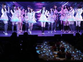 AKB48 y EXILE realizaron performance especial en cumbre Japón-ASEAN